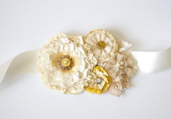 Свадьба - Sunshine Yellow Bridal Sash, Wedding Dress Sash, Bridal Belt, Ribbon Belt, Fabric Flowers, Vintage Wedding, Rustic Wedding, Garden Wedding