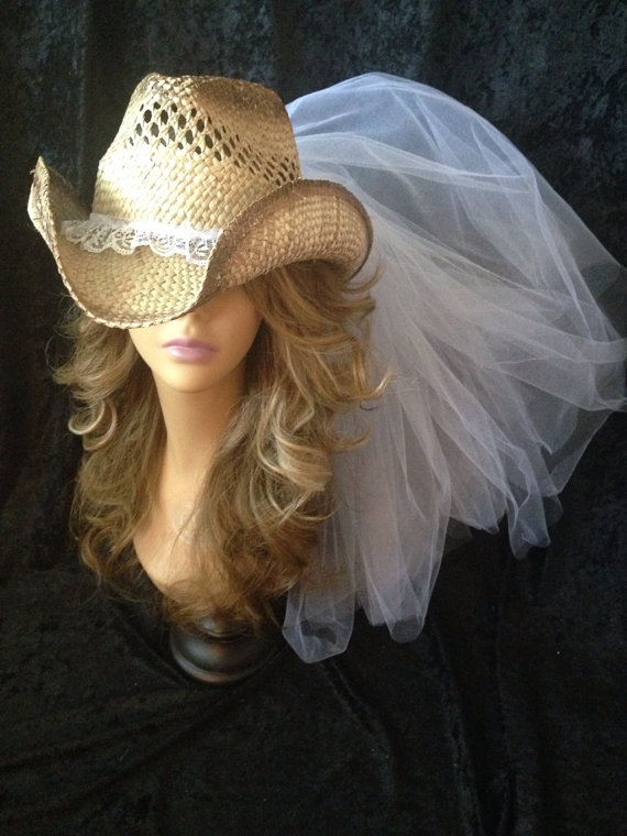 Mariage - Country Western Vintage Lace Cowgirl Veil