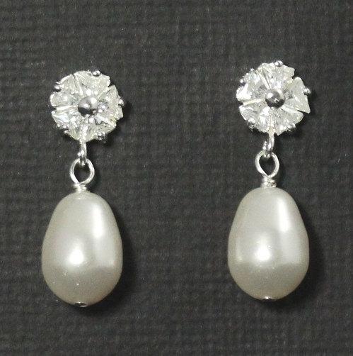 Mariage - Wedding Drop Earrings, Bridal Earrings Studs, Posts, Wedding Jewelry, Cubic Zirconia Bridal Earrings, -- FLORAL LUXE