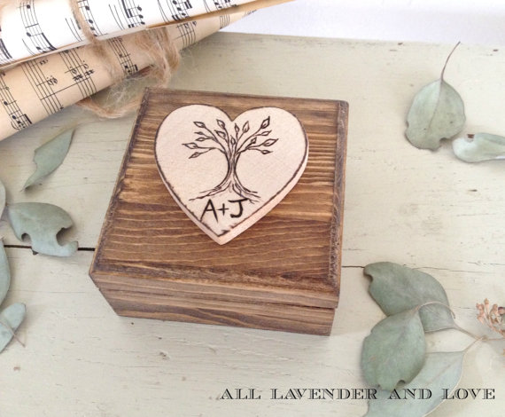 Свадьба - Tree Ring Bearer Box with Ring Bearer Pillow wood stained heart