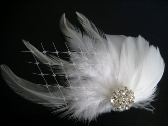 Mariage - Wedding Bridal White Light Ivory Feather Rhinestone Jewel Veiling Head Piece Hair Clip Fascinator Accessory