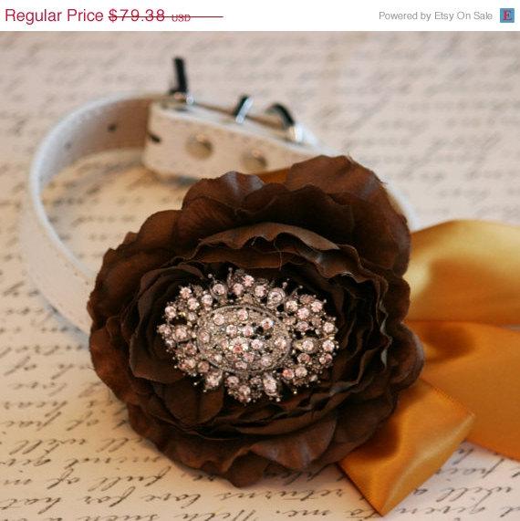 Свадьба - Vintage wedding, Floral Dog Collar, Pet Wedding Accessory, Brown and Gold Floral Collar, Rhinestone, Dog Lovers