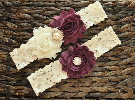 Свадьба - Wedding Garter Set, Bridal Garter Set, Plum Wedding Garter, Plum Bridal Garter, Ivory Lace Garter, Ivory Wedding Garter Belt, Garter Set