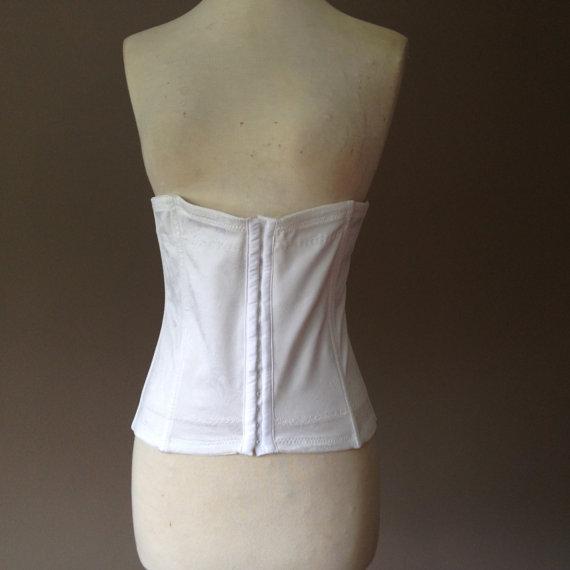 Свадьба - 2X / Waist Cincher Nipper Shaper / By Flexees / Plus Size Shapewear Lingerie / White Jacquard Nylon Stretch / FREE Shipping