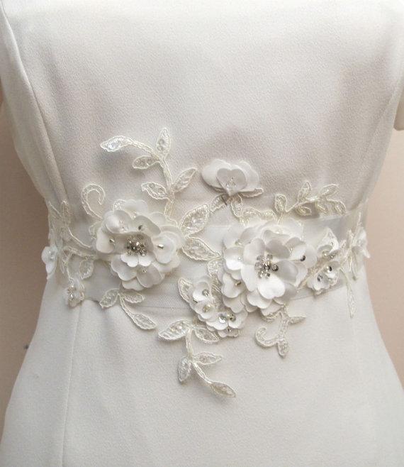 Mariage - Bridal Ivory Sash Belt Beaded Flower 3D Applique  Wedding Sashes