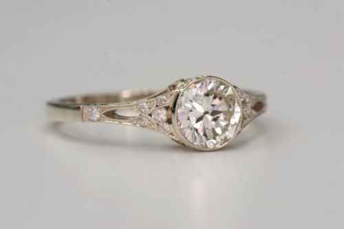 Mariage - 40 Vintage Wedding Ring Details That Are Utterly To Die For