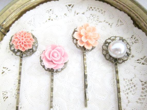 Mariage - Pink Hair Pins Wedding Bridal Hair Pin Set of 4 Bridesmaid Gift Pearl Hair Pins Shabby Chic Pastel Pink Romantic Girly Sweet Soft Dreamy