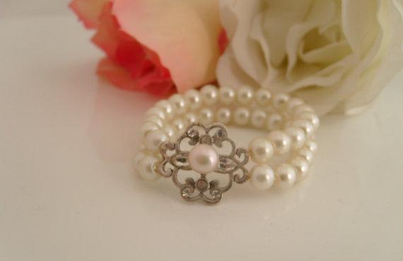 Свадьба - Vintage inspired Art deco swarovski crystal  flower girl gift stretchy cuff bracelet for little princess' wedding jewelry cuff bracelet