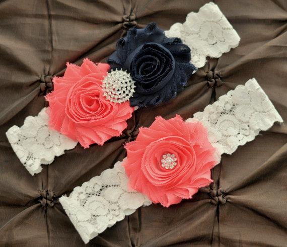 Свадьба - Wedding Garter Set, Bridal Garter Set - Ivory Lace Garter, Keepsake Garter Toss Garter, Navy & Coral Wedding Garter Navy Wedding Garter Belt