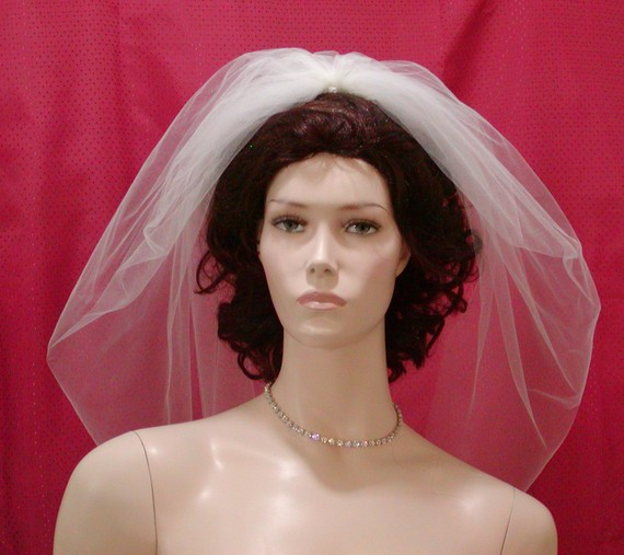 Mariage - Wedding Veils Bridal Veil 1 Tier Fountain Veil  IVORY Elbow length  aka Trumpet Veil