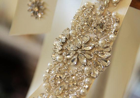 Mariage - Bridal sash, Wedding sash, Bridal belt , crystal sash, rhinestone sash, jeweled belt, bridal belt, wedding gown belt, custom color