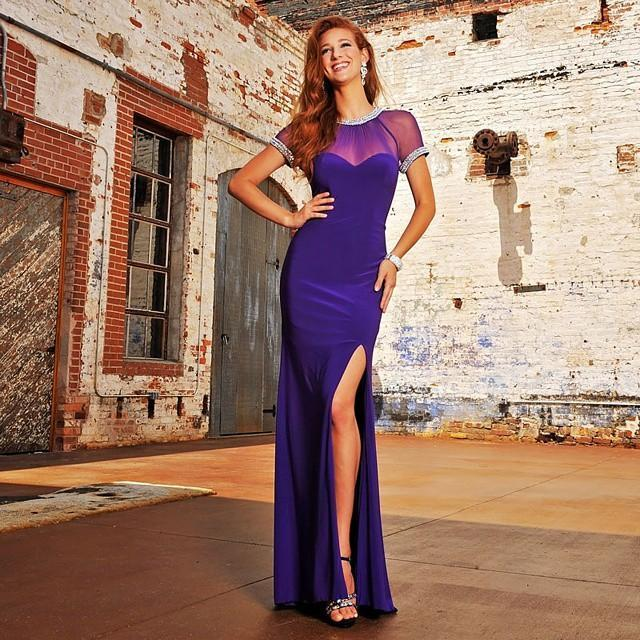 Mariage - 2015 Modest Short Sleeve Evening Dresses Sheer Crew Neck Sheath Purple Prom Gowns Chiffon Beaded Split Sheath Party Dresses Custom Made Online with $106.81/Piece on Hjklp88's Store