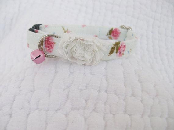 زفاف - Shabby Chic  Cat Collar with pink bell   Wedding Cat  Breakaway Collar Custom Made