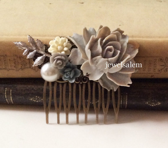 Mariage - Gray Wedding Comb Woodland Bridal Hair Accessories Head Comb accent of Grey, Blue, White, Dusky Blue, Silver Leaves Pearl Rustic Big Rose WR
