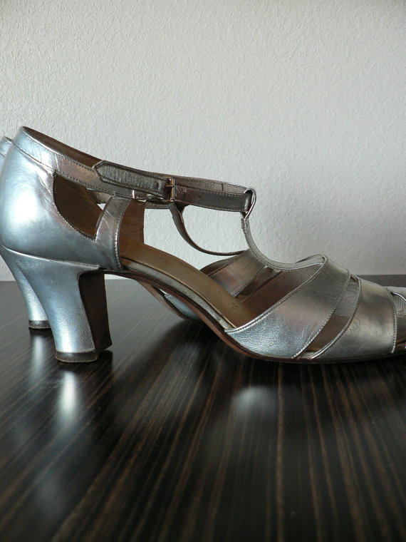 Hochzeit - SPECIAL OFFER -Art deco silver leather cut out heels pumps / vintage 1930s mary janes flapper shoes/ wedding shoes