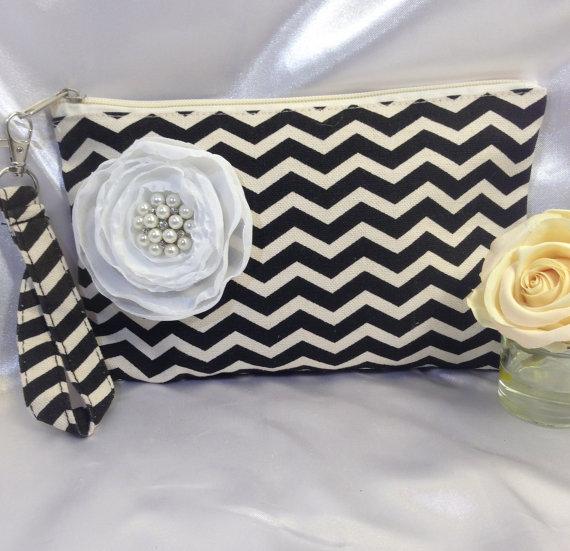 Hochzeit - Wedding wristlet bags, Bridesmaid clutches, Bridal clutches, Wedding accessories, Bridesmaids bags, Wedding clutches, Bridal party bags