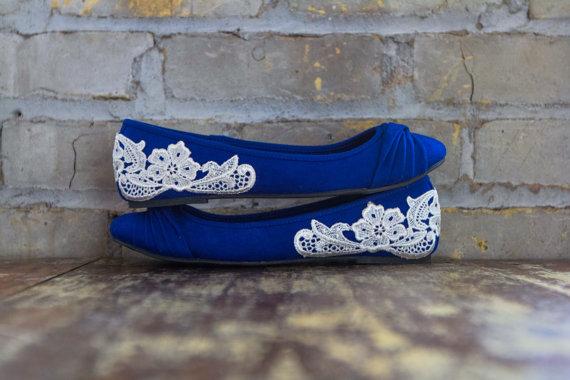 Свадьба - Wedding Flats - Bridal Ballet Flats, Blue Wedding Shoes, Reception Flats, Cobalt Blue Flats, Blue Bridal Shoes with Ivory Lace. US Size 9