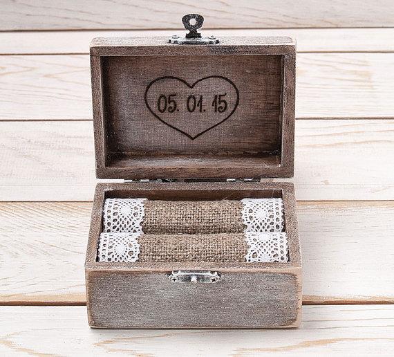 Mariage - Ring Bearer Box Wedding Ring Box Ring Holder Wooden Personalized  Monogram Ring Box with Heart Rustic Weddings / R - 1
