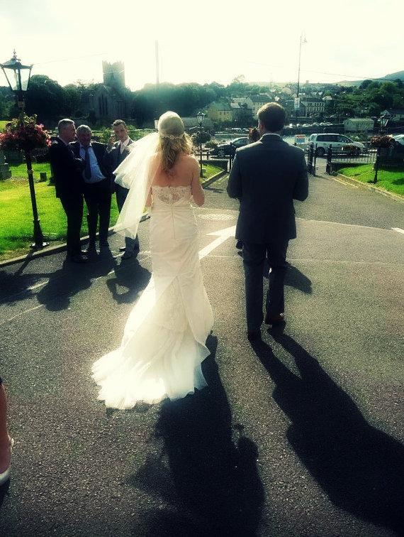 Свадьба - Lace Bridal Cap Veil, Fingertip Juliet Bridal Cap in White, Off White, Ivory, French Alencon Lace Wedding Headpiece, Bohemian Veil, Art Deco