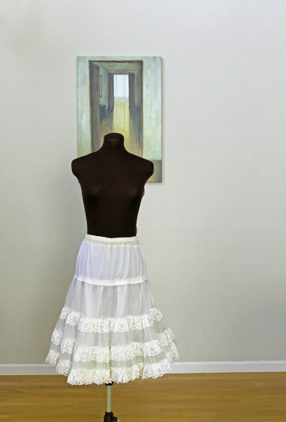 Свадьба - 1950s Triple-Layered Cotton Tulle Lace Petticoat, Knee Length, Size M