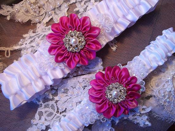 Свадьба - Wedding Garter Set with a Fuchsia Pink Daisy and Lace Daisies, Bridal Garter on White Satin