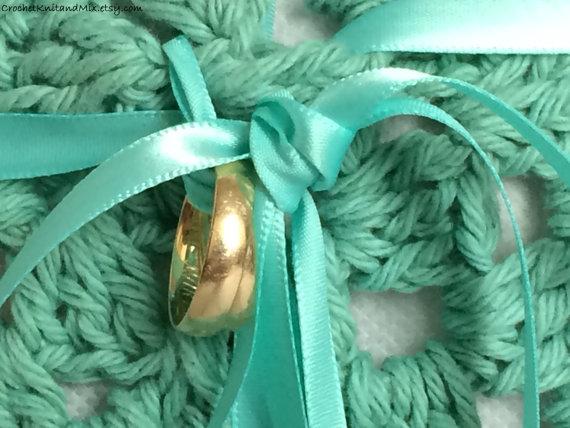 زفاف - Something Blue Nautical Wedding Ring Bearer Crochet Pillow