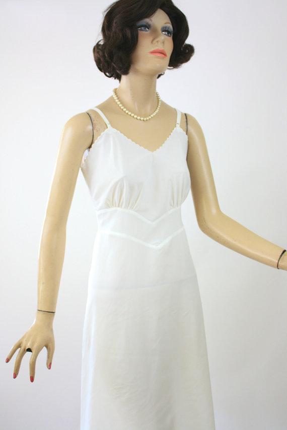 Свадьба - Vintage 50s Laros Full Slip White Satin Nylon Scallop Edge Size 34 Bust 36