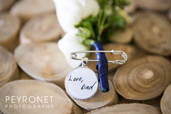 Mariage - Two sided Photo and Handwriting Boutonniere Charm - Your Loved one's Photo and Handwriting wedding boutonniere charm