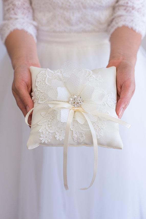 زفاف - Handmade Wedding Ring Bearer Pillow, White, ivory,Lace Ring Pillow, Wedding Ring Holder, Handmade Wedding, Bridal Shower Gift