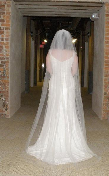 Свадьба - Wedding veil - 72 inch Floor Length Veil with a cut edge
