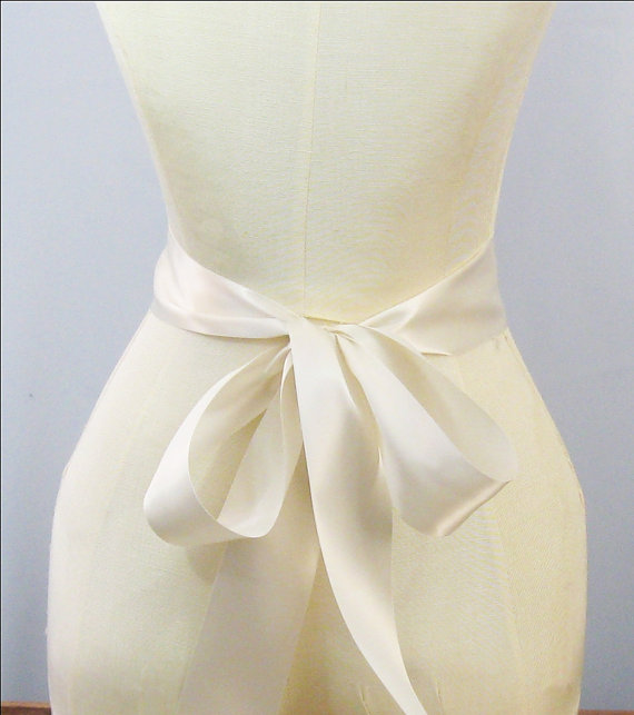 Mariage - REMNANT Ivory Ribbon - 2.25 inch width x 47 inch long -Wedding Sash, Bridal Sash, Plain Sash, Ivory Sash, Bridal Belt, DIY