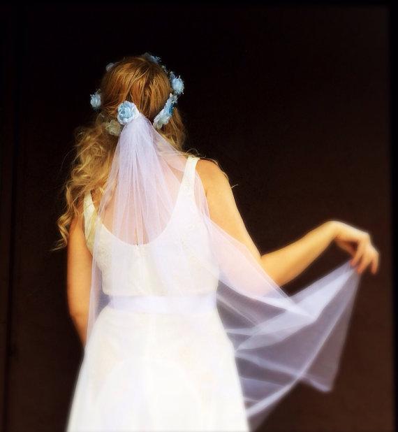 Mariage - Bridal headpiece flower wedding headband crown tiara something blue