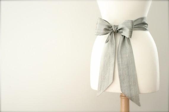 Mariage - Metallic silver bridal sash. Wedding gown sash, Wedding dress sash, Bridal sash bow, Bridal sash ivory, Bridal sash champagne, Belt sash bow