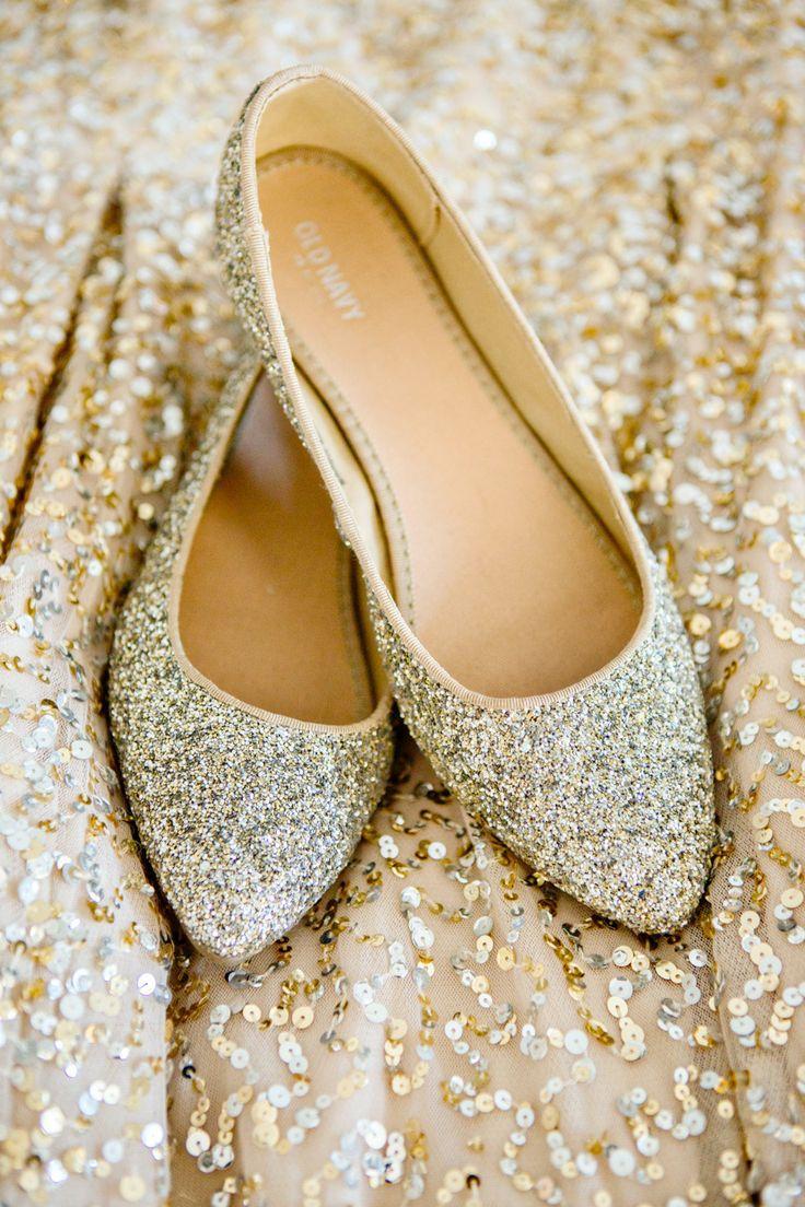 Hochzeit - Romantic Gold Infused Chatham Bars Inn Wedding