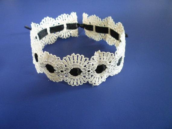 Mariage - Ivory Venice Lace / Black Satin Ribbon Choker, Textile Jewelry, Velvet Necklace, Baroque Victorian Neck Gothic Wedding