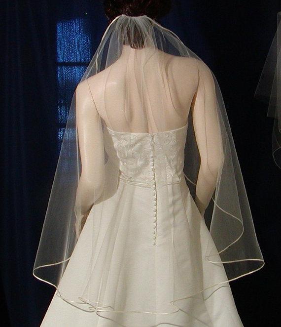 Mariage - Ivory Bridal Veil Fingertip length  Ribbon edge cascading style