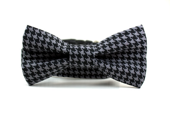 Свадьба - Gray and Black Hounds tooth Dog Collar and Bow Tie Set / Boy Dog Collar / Removable Dog Bow Tie / Wedding Dog Collar Bow Tie Set