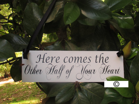 """Mariage - Ring Bearer Flower Girl Sign / """"Here comes the Other Half of Your Heart"""" © / Painted Solid Wood / Wedding Prop / Home Decor"""