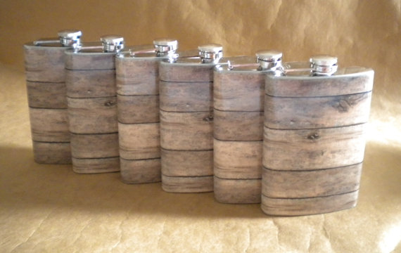 Свадьба - Groomsmens Gifts Set of 6 Old Barnwood Print 8 ounce Stainless Steel Rustic Country Western Gift Flask KR2D 6801
