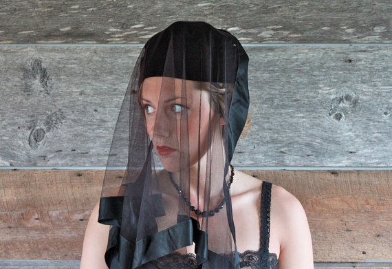 Mariage - 1950s mourning veil hat // DEUIL // black veiled hat