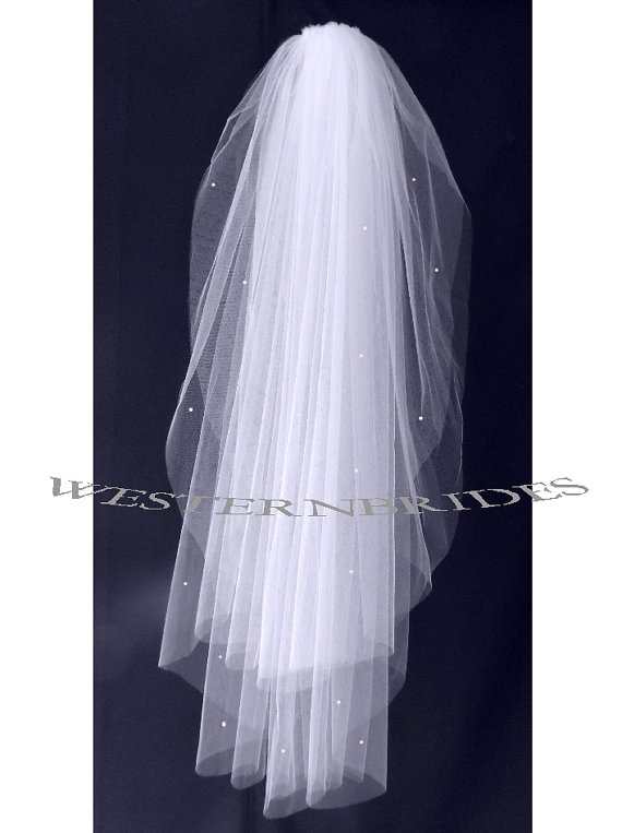 Hochzeit - PEARLS CLASSIC 2 tier FINGERTIP Wedding Bridal veil. White or Ivory , silver comb ready to wear