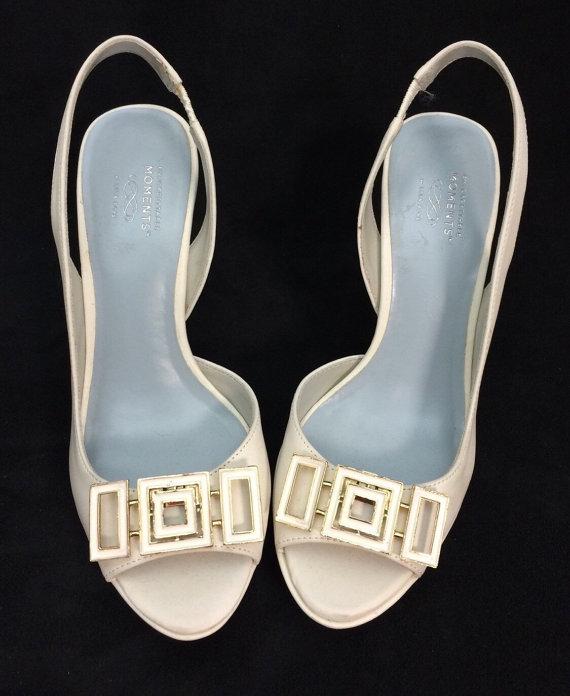 Свадьба - Vintage Squares Shoe Clips - Creme Enamel on Gold tone