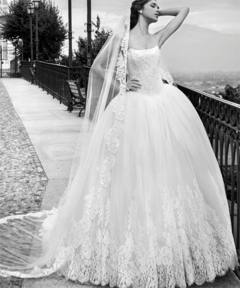 Boda - 2015 Alessandra Rinaudo Ball Gown Wedding Dresses Sleeveless Ivory Spring Lace Applique Strapless Sweep Train Tulle Bridal Gown Chapel Online with $145.08/Piece on Hjklp88's Store