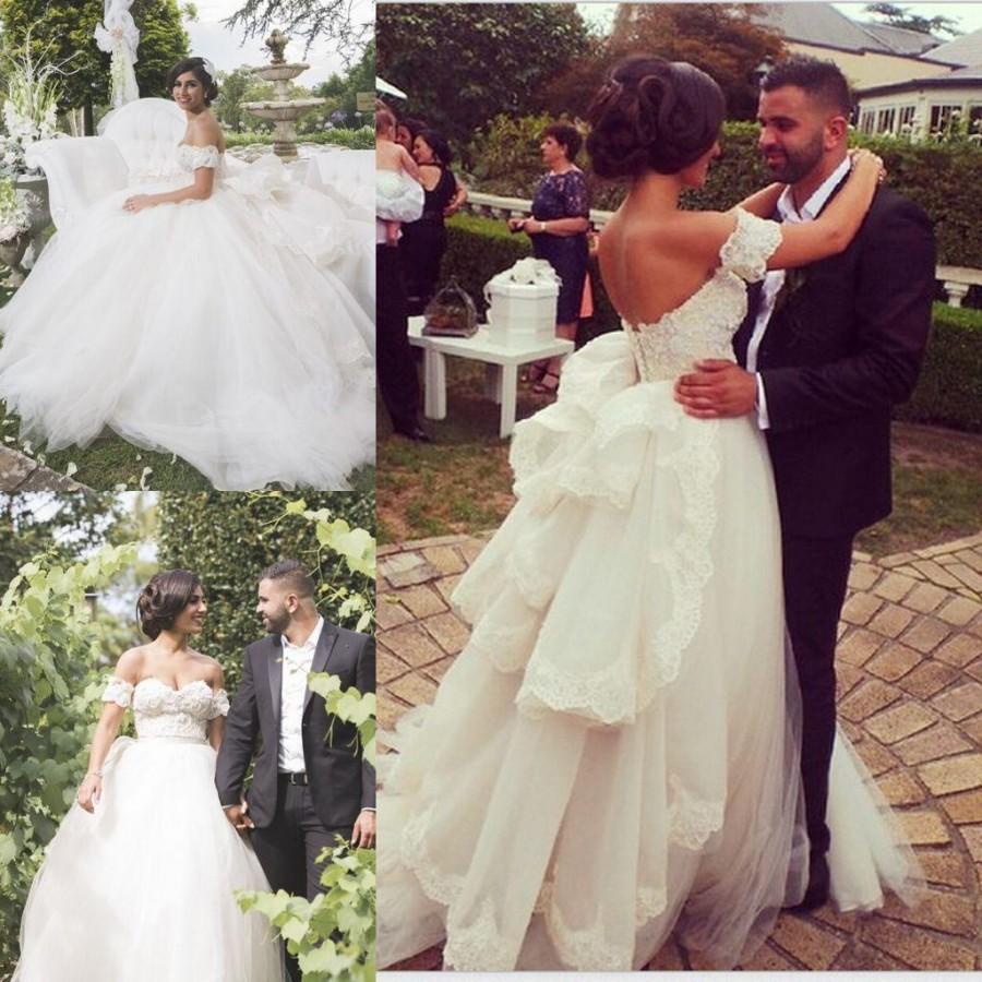Luxury lace applique a line wedding dresses 2015 vintage for Vintage country wedding dresses