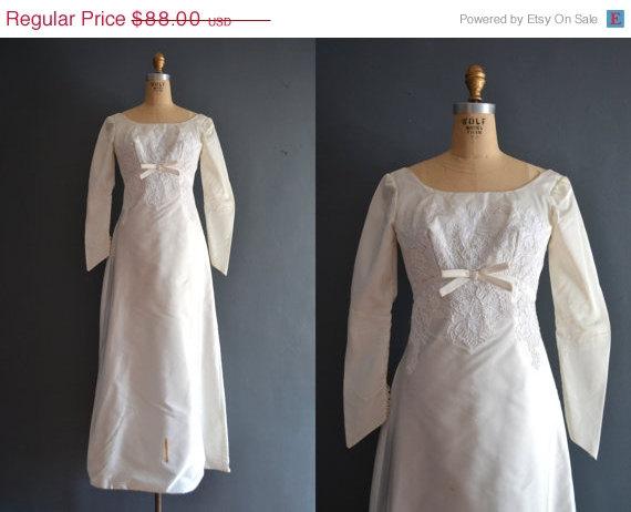 Свадьба - WEEKEND SALE - 40% OFF 60s wedding dress / 1960s wedding dress / Molly