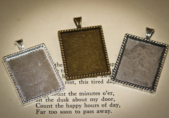 Mariage - 24 Rectangle Photo Memory Charm Pendants -These Blank Frames can be used for bouquets, Charm Bracelets, Photo Necklaces and much more