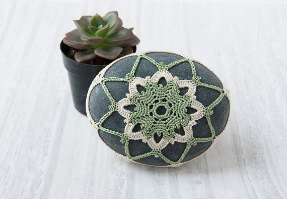 Wedding - crochet stone, crochet rock, beach wedding decor, ring pillow, table decoration, succulent green and natural thread, bowl element