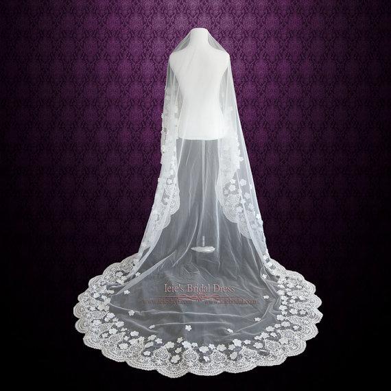 زفاف - Cathedral Length Lace Mantilla Wedding Veil with Flowers