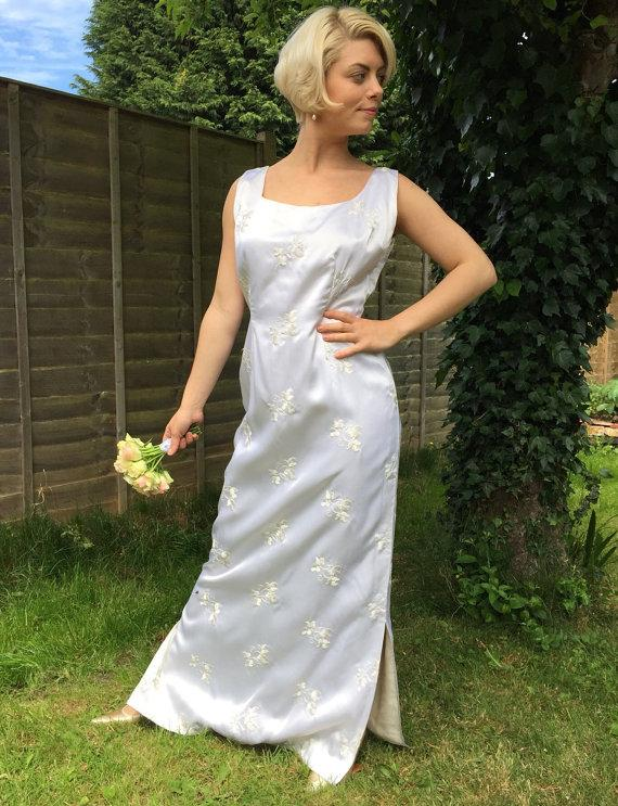 1960s Vintage Wedding Dress White Satin Shift Long Gown Embroidered Flowers Classic Simple Sleek UK 14 Late 50s Mad Men Mod Hourglass Wiggle