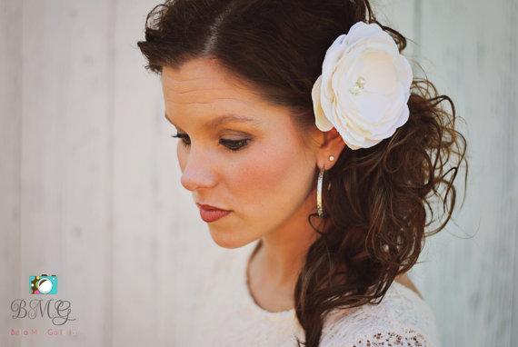 Свадьба - Lasting Romance Ivory Pearl & Rhinestone Embellished Cluster Center Wedding Veil Flower Hair Clip Fascinator Hair Piece Accessory